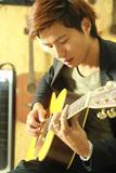 吉他教师-吴洛